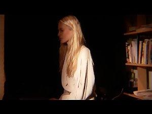 Poppy Delevingne - Perfect (2009)