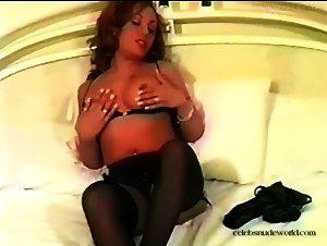 Victoria Vega - Darian And Victoria: 2 Pro Lesbos (2000)