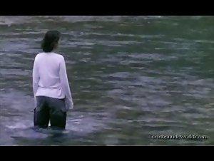 Virginie Ledoyen - L'eau froide (1994)