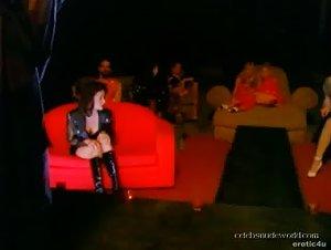 Bobbie Marie , Holly Cat , Summer Leigh - Femalien (1996)