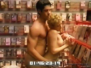 Brandy Davis, Lisa Throw in Sex Files: Pleasureville (2000)