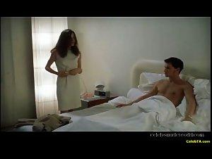 Caroline Ducey - Romance (1999) 5