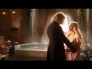Emilia Clarke - Game of Thrones (2011) 5