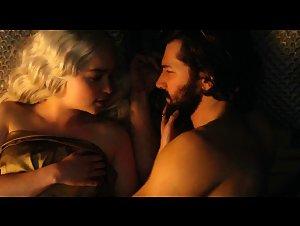 Emilia Clarke - Game of Thrones (2011) 6