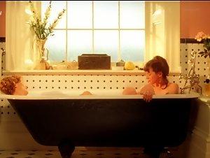 Emily Mortimer , Katie Ryder Richardson - Coming Home (1998)