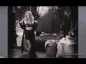 Jemima Rooper , Mia Kirshner - Black Dahlia (2006)