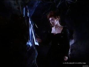 Jenna Bodnar - Huntress: Spirit of the Night (1995) 2
