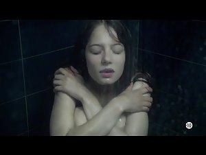 Jenna Thiam - Les Revenants (2012) 2