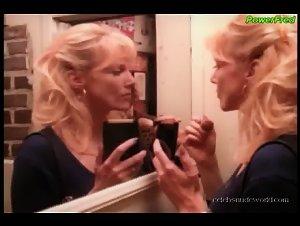 Kathy Shower , Lisa Comshaw - Erotic Boundaries (1997) 3