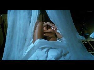 Nieves Navarro - Emanuelle e gli ultimi cannibali (1977) 2
