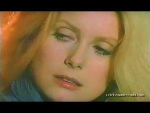 Catherine Deneuve - L'agression (1975)