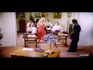 Catherine Greiner , Celine Galone , Elodie Delage , Jane Baker - Les petites ecolieres (1980) 4
