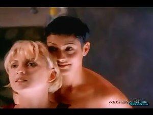 Catalina Larranaga , Kim Yates - Loveblind (2000) 2