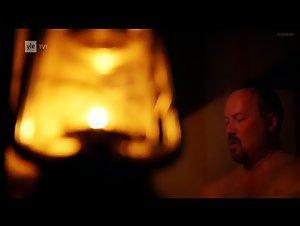 Eriikka Valiahde - Pintaa syvemmalta (2015)