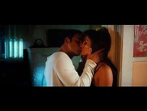 Jennifer Lopez - Boy Next Door (2015)