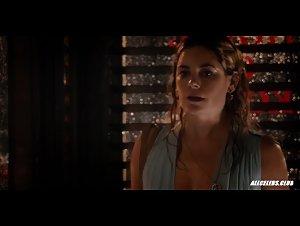 Amber Skye Noyes and Jamie Neumann in The Deuce - S01E01