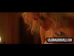 Hot ass blonde porn gif