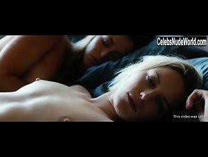 Nguyen  nackt Mayko Mayko Nguyen