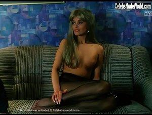 Joanna Jedrejek  nackt