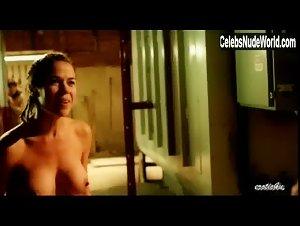 Heidi James  nackt
