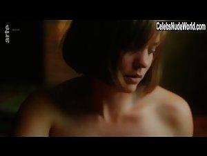 Nina Lombardo  nackt
