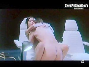 Laura Dean  nackt