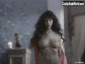 Lorissa McComas  nackt