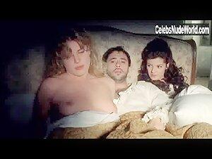 Nackt  Manon Azem Adult TV
