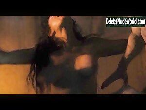 Stephanie Allynne  nackt